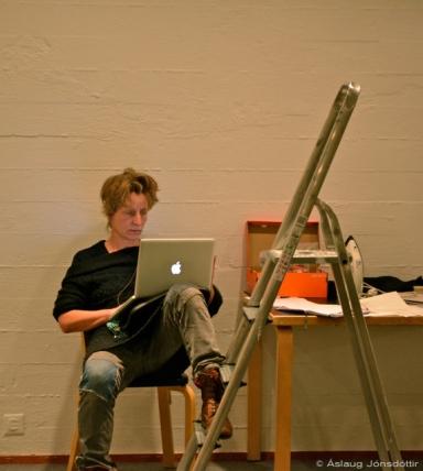 Hanne Mattihesen - busy online